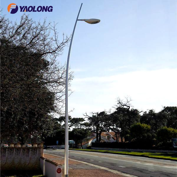 curved street lighting post