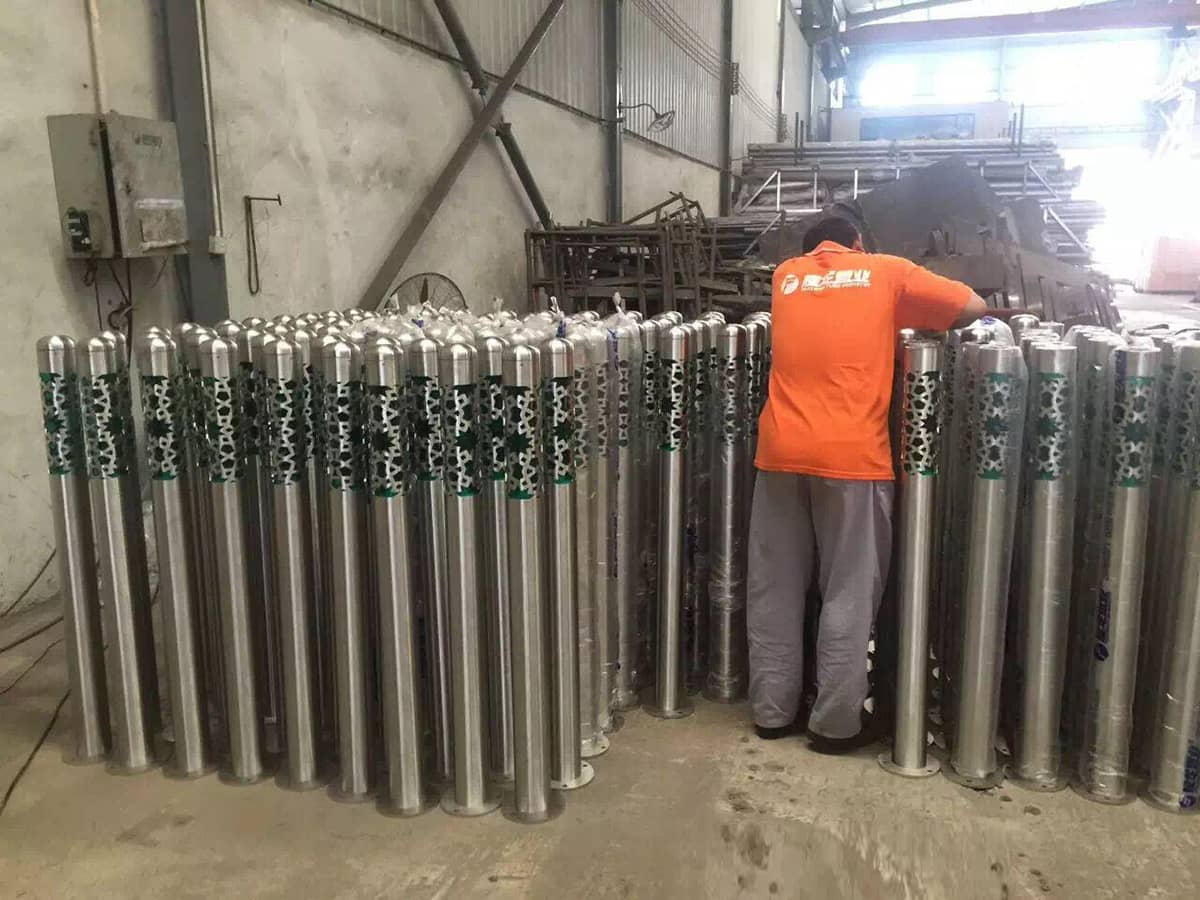700 Nos Of 1 2m Stainless Steel Lawn Light Poles Supplied